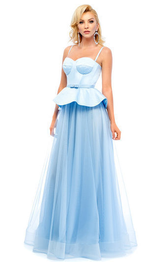 Платье с корсетом.