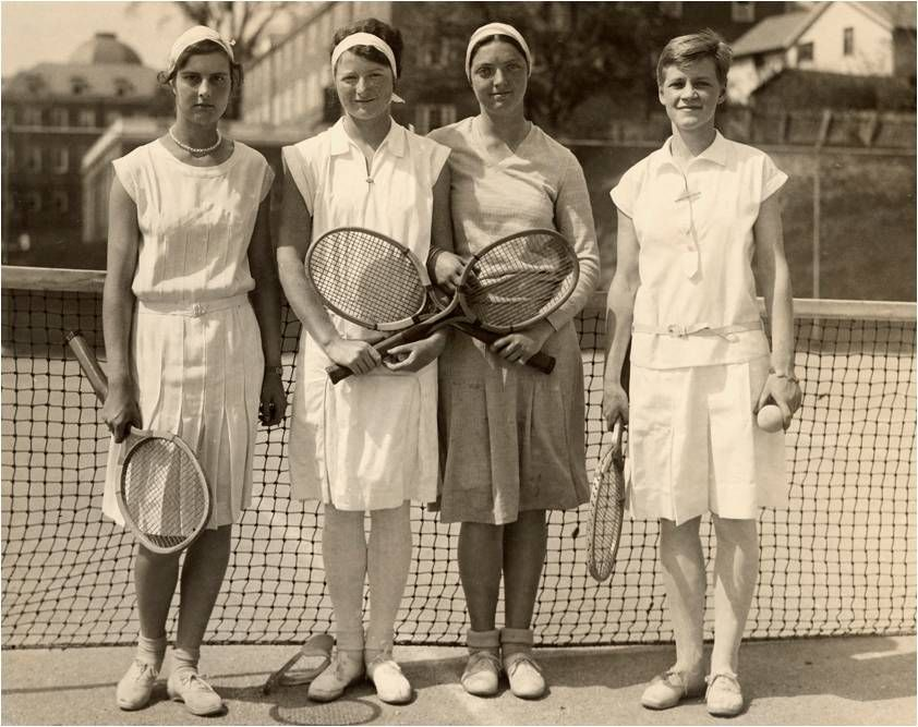 теннисисты в шортах бермудах