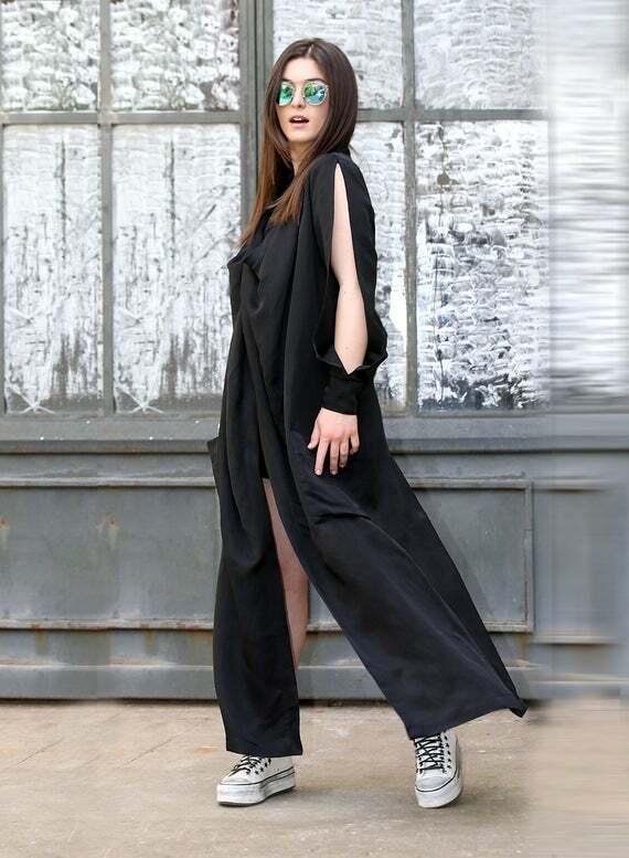 Образ в чёрной одежде.