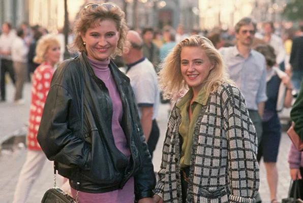 барышни 90-х