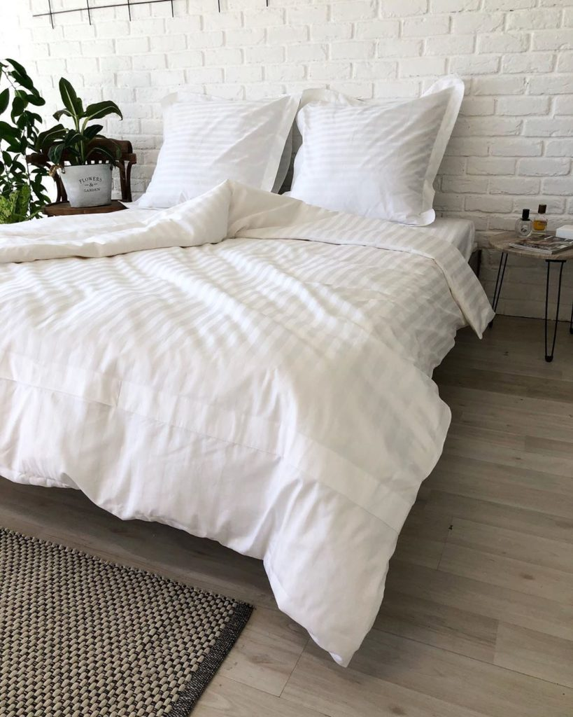 белоснежное постельное