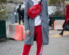 Спортивный образ с красными штанами.