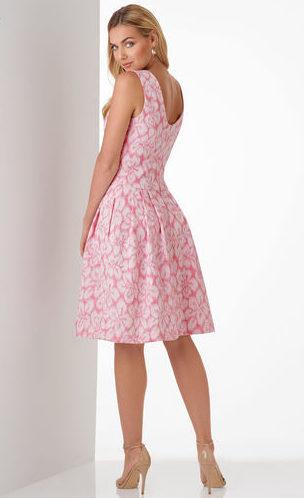 Повседневное платье в стиле нью-лук.