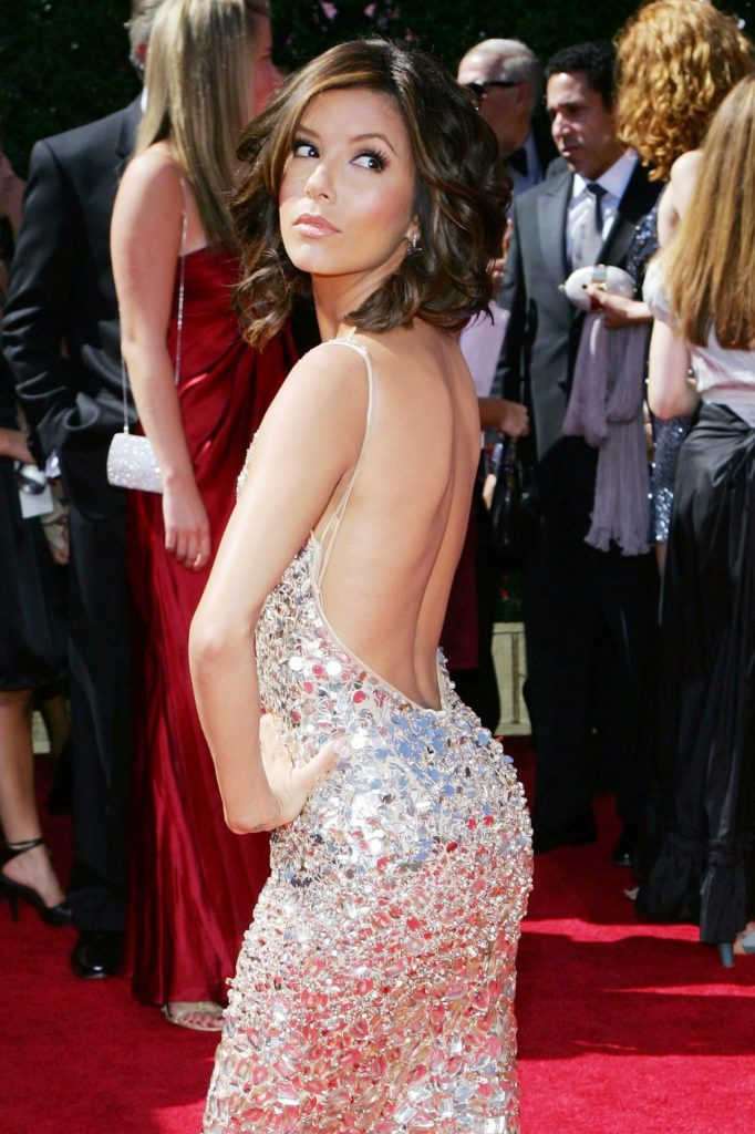 Ева Лонгория в серебристом платье.
