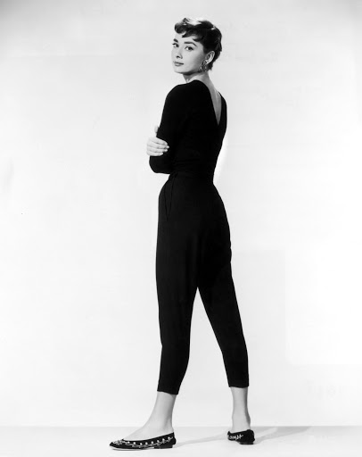 Одри Хепберн в брюках длины капри