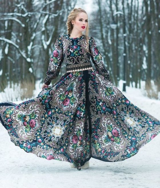 Платье в русском стиле.
