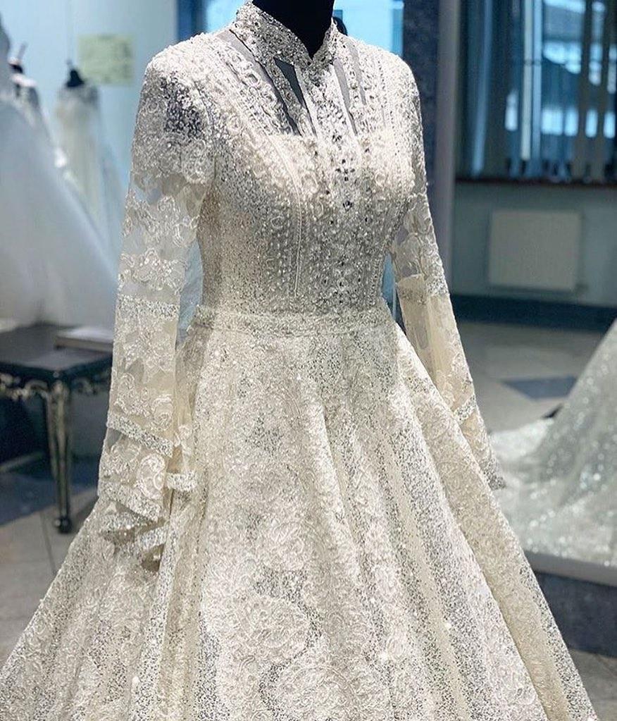 Полупрозрачное кружевное платье