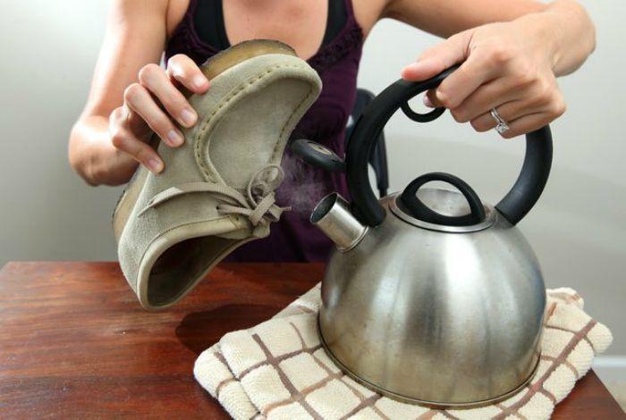 растягивание и распаривание замшевых туфель