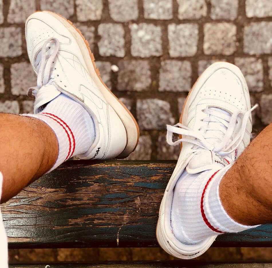 Кроссовки с носками