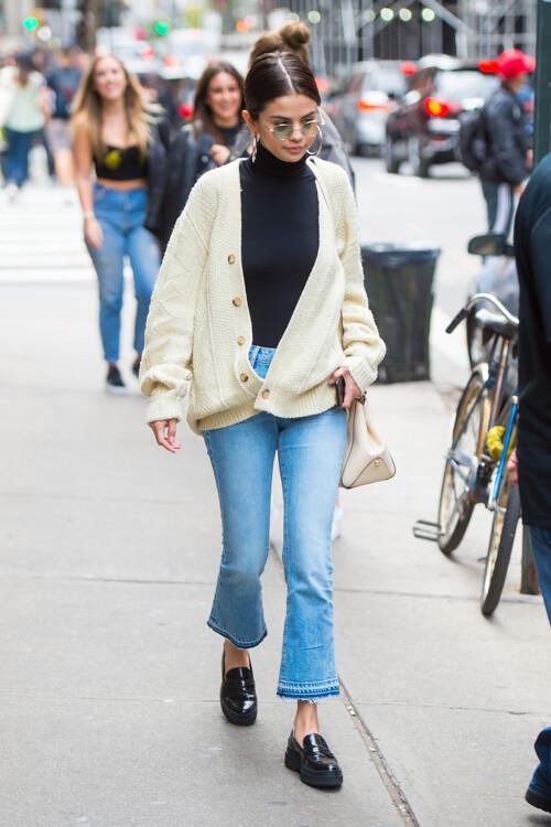 Селена Гомес в джинсах