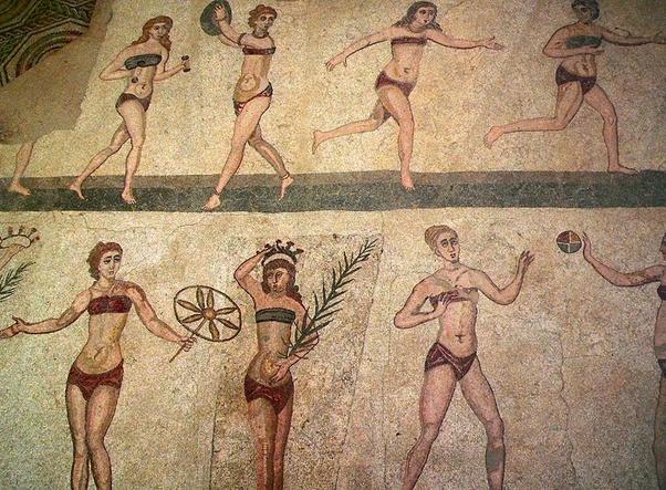 Древние фрески с нижним бельем