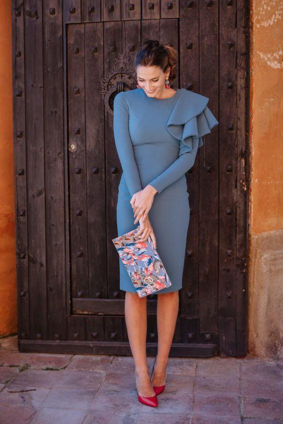 Асимметричное платье с клатчем