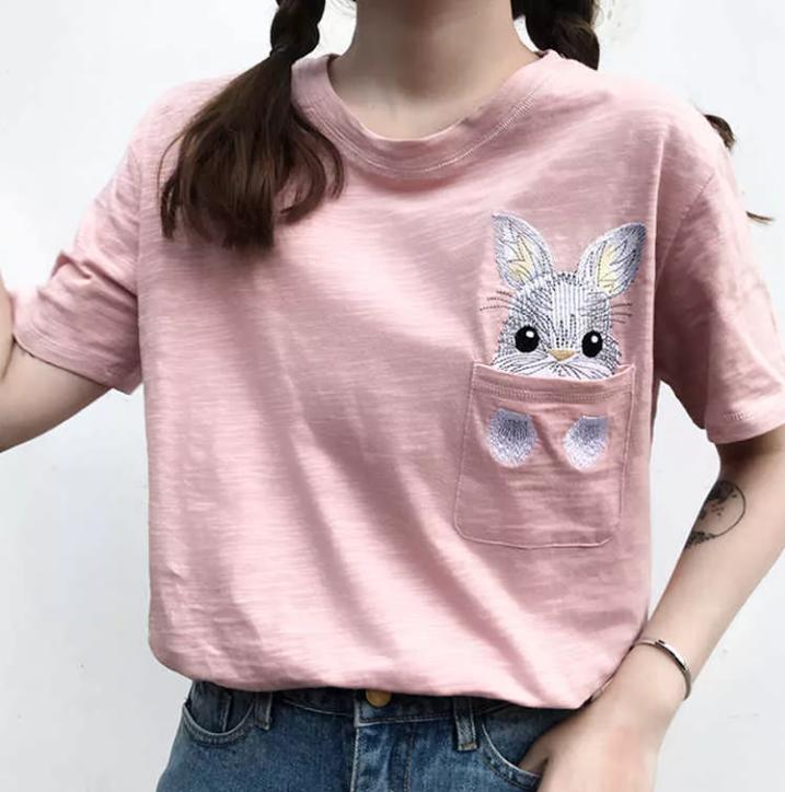зверек на футболке