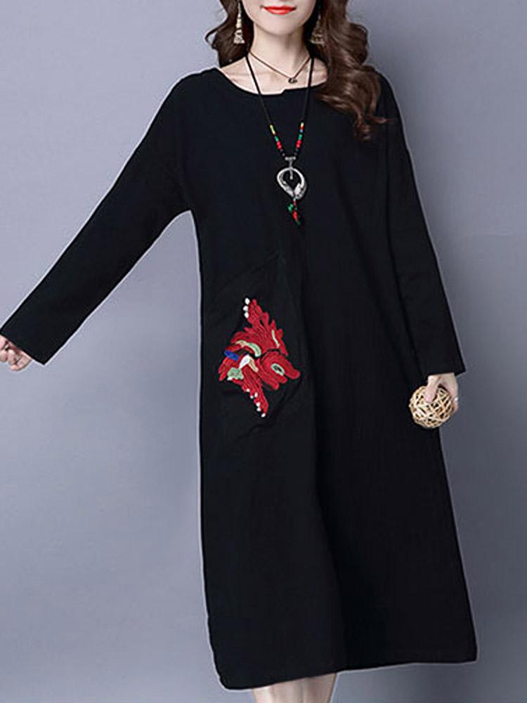 черное платье с вышивкой