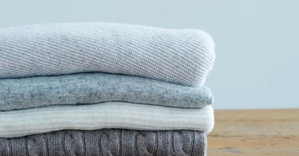 стопка свитеров