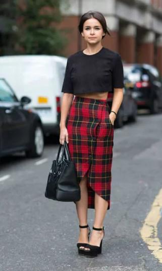 юбка с округлостями