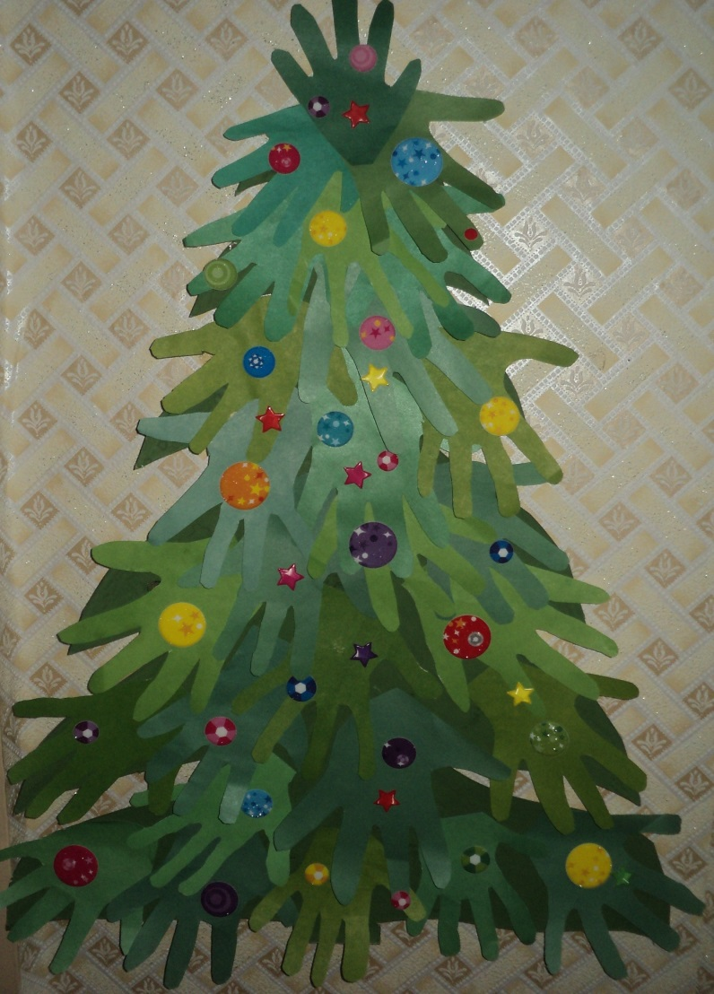 елка из ладошек