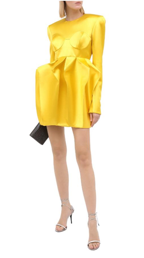 Платье от Balmain за 488 000 рублей