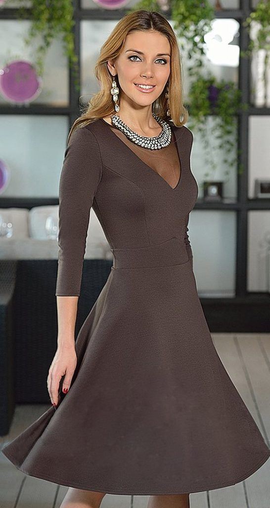 Кофейное платье.