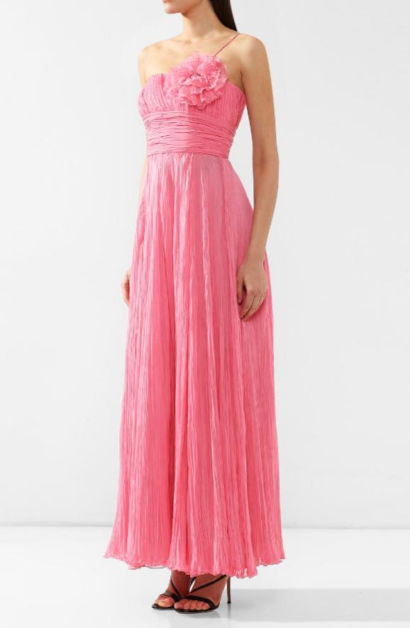 Платье от Giorgio Armani за 698 000 рублей