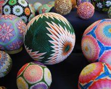 Темари: японская вышивка на шарах для привлечения счастья