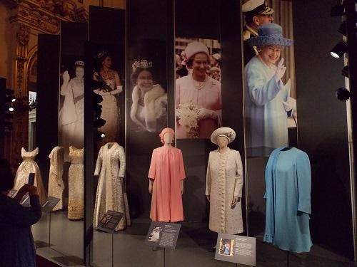 Одежда королевы Елизаветы II