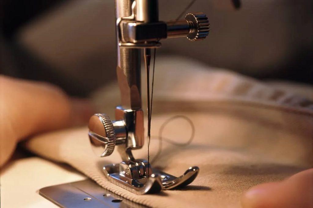 Игла в швейной машинке