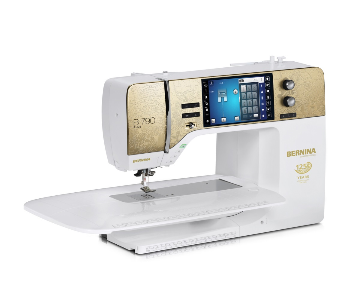 Швейная машинка с сенсорным управлением