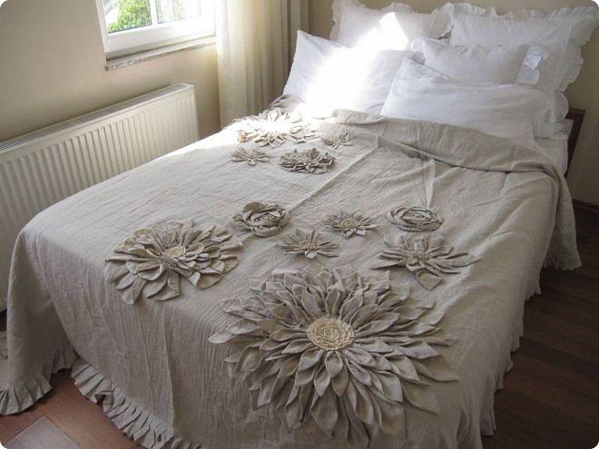 Пример покрывала с декором
