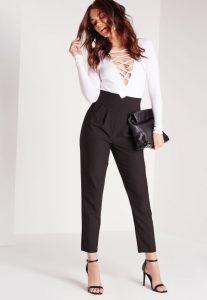 Модель брюк с завышенной талией.