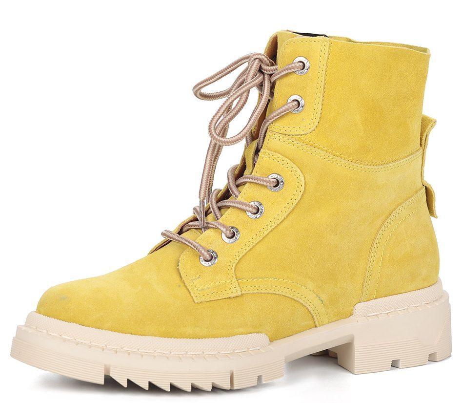 Жёлтые ботинки.