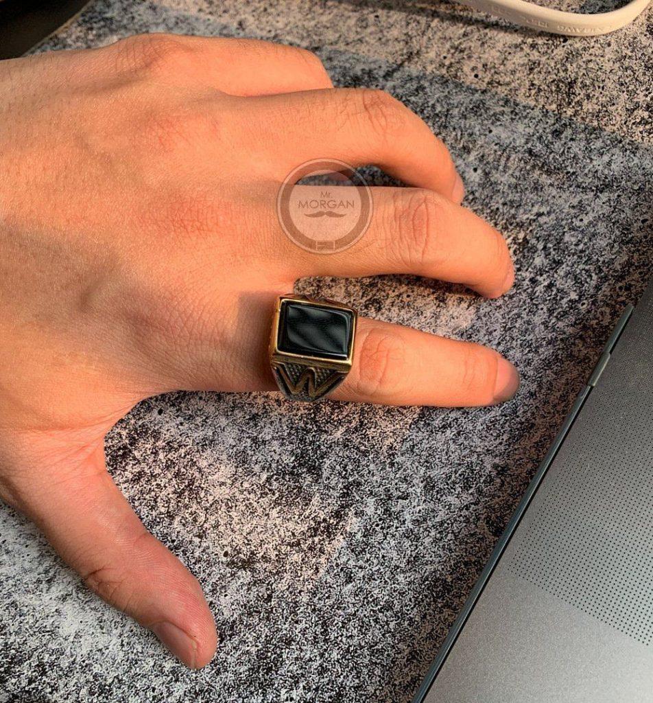 Перстень с агатом.