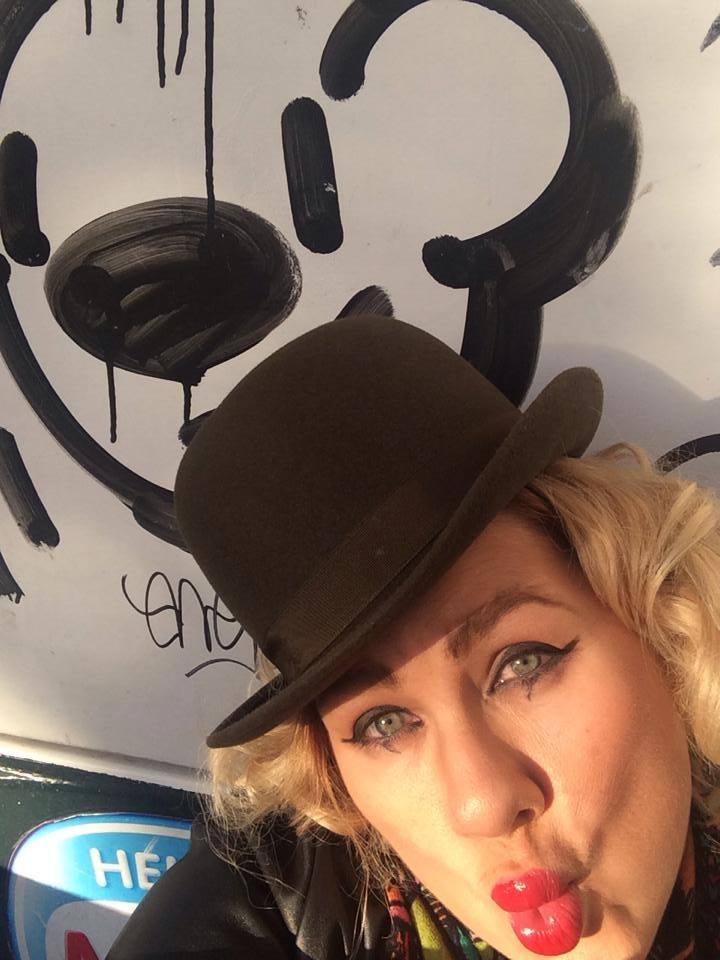 Ева Польна в фетровой шляпке