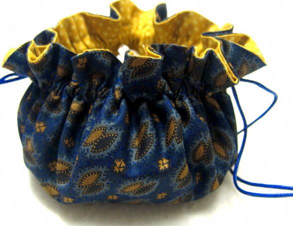 Мешочек для украшений из старого носка