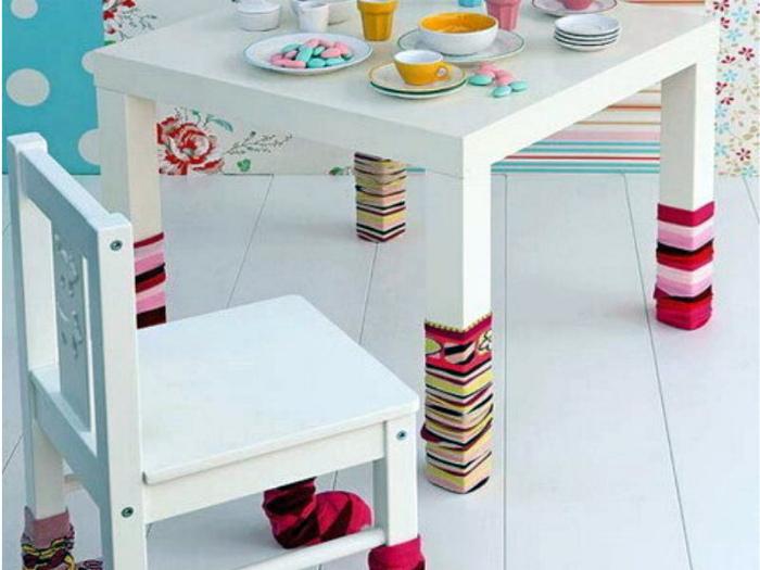 Чехлы для ножек мебели из старых носков