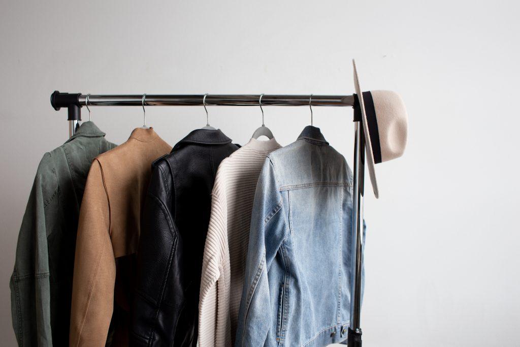 Базовая одежда, на которой можно сэкономить