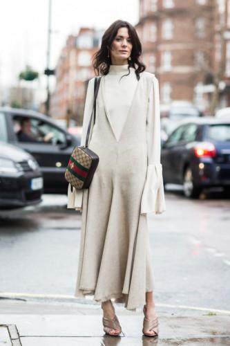 Одежда с нарочито длинными рукавами