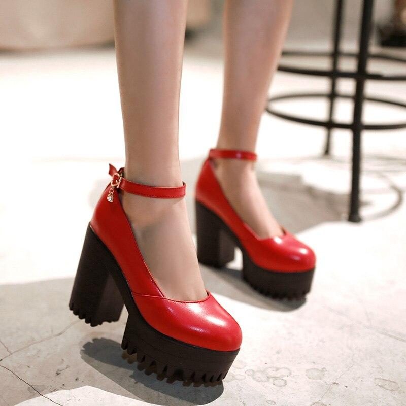 Туфли на тракторной подошве.