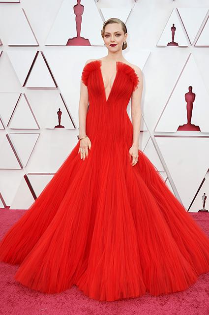 Аманда Сайфред на премии Оскар-2021