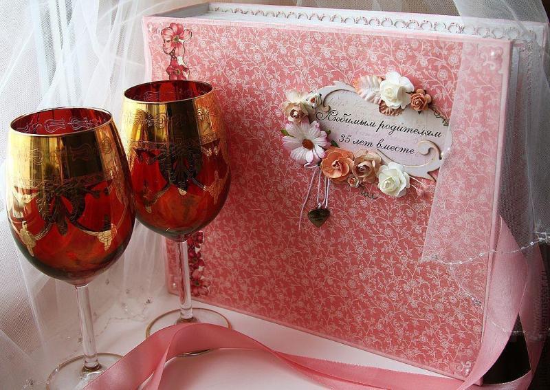 подарок на коралловую свадьбу