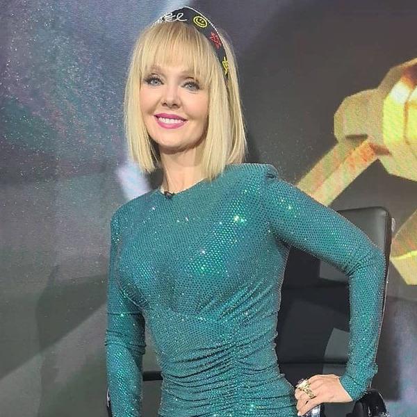 """Певица Валерия в шоу """"Маска"""""""