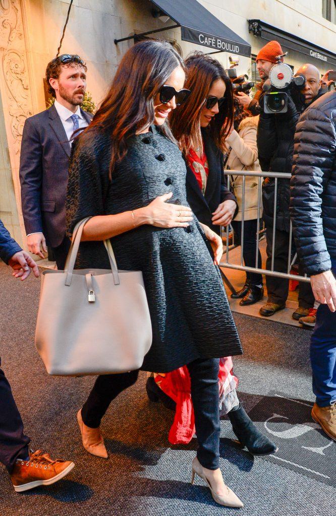 Меган Маркл в винтажном пальто