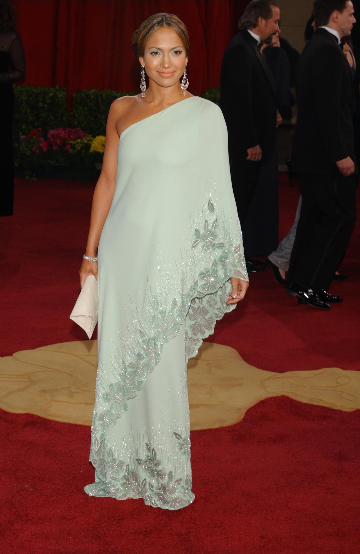 Джей Ло в винтажном платье