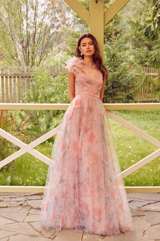 Платье на выпускной с цветочным принтом