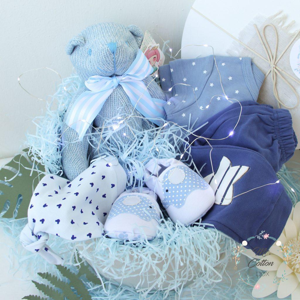 одежда новорожденному в подарок