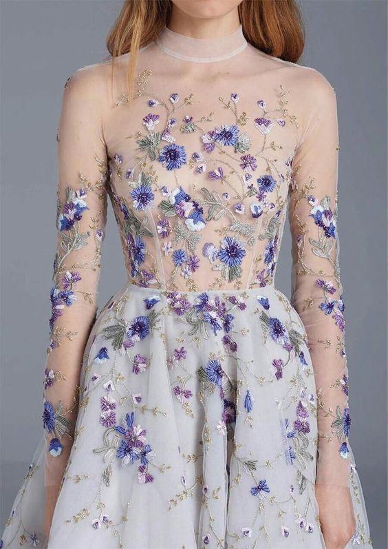 Вышивка на вечернем платье.
