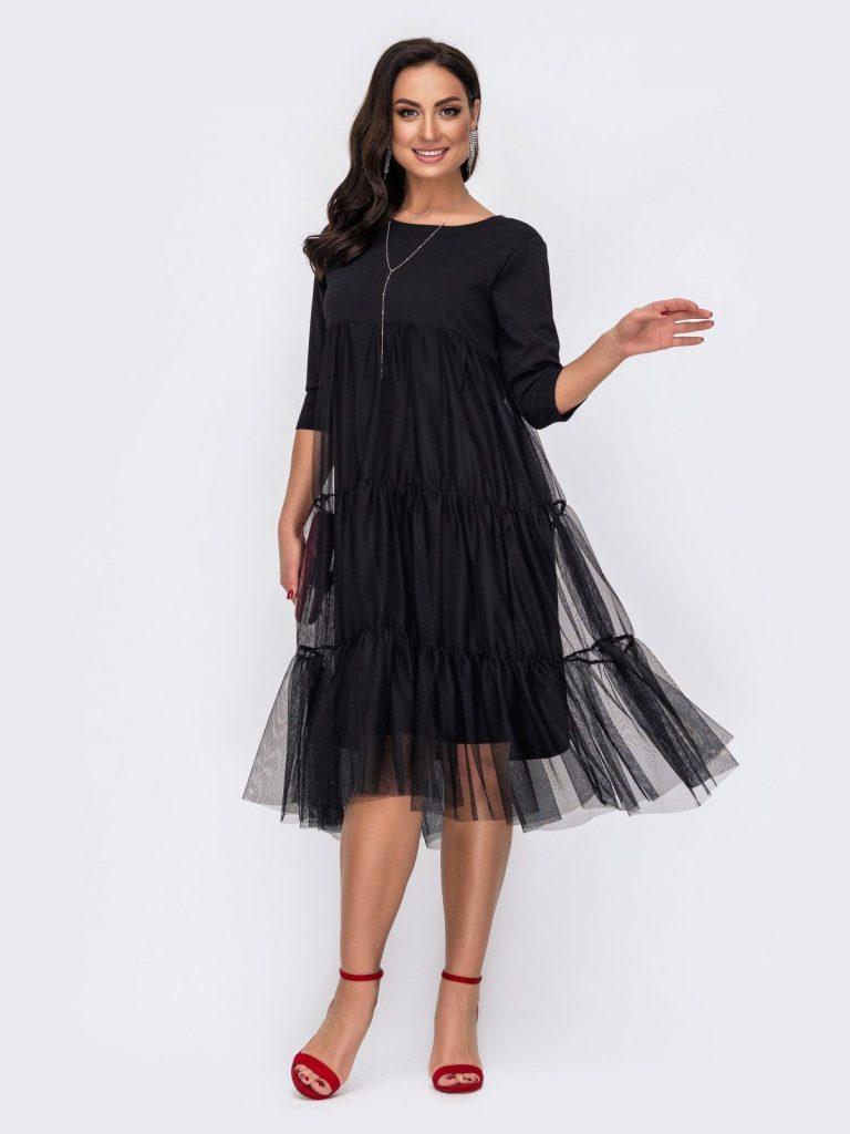 Платье с прозрачным верхом.