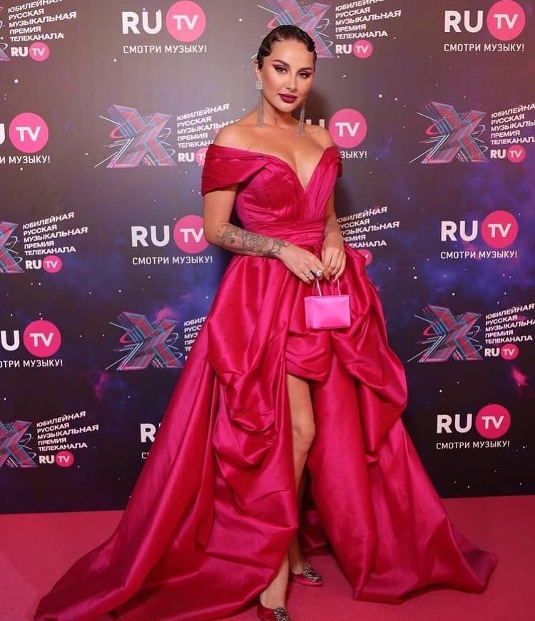 Анна Дзюба на премии RU.TV 2021