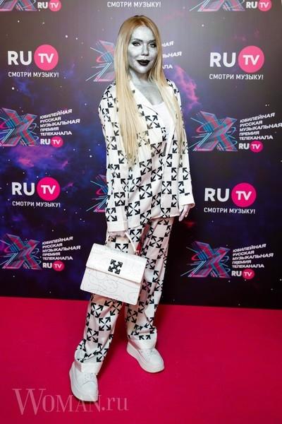 Карина Кросс на премии RU.TV 2021