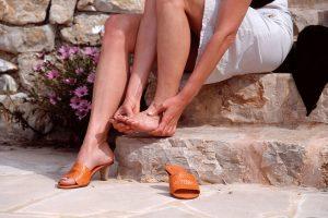 Летняя обувь натирает мозоли